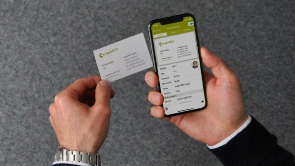 Kostenlose Digitalisierung von Visitenkarten mit dem snapADDY CardScanner
