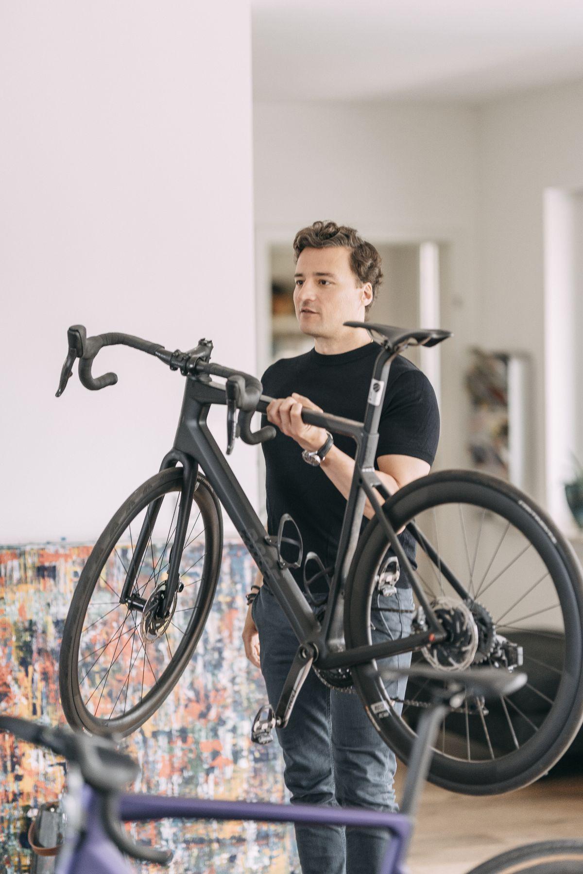Marcus Diekmann mit Fahrrad