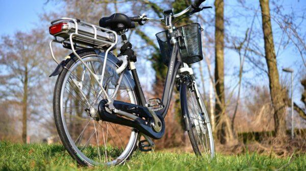 E-Bikes sind auf deutschen Straßen immer häufiger anzutreffen.